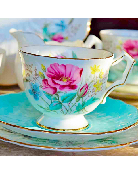 (OUT OF STOCK) AYNSLEY FLORAL BLUE CROCUS TEA SET
